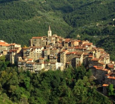 Tour nei borghi bandiera arancione della riviera ligure for Borghi liguria ponente