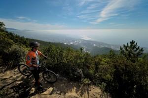 Vacanze in bici - panorama sul mare